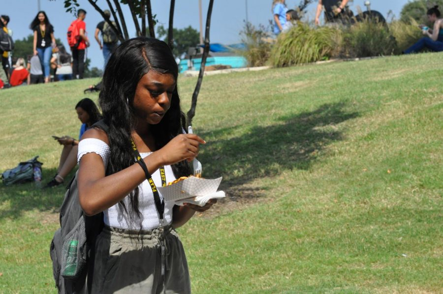 Senior Susan Odigie decides to buy food from Mell's Grill. She tried their food for the first time.